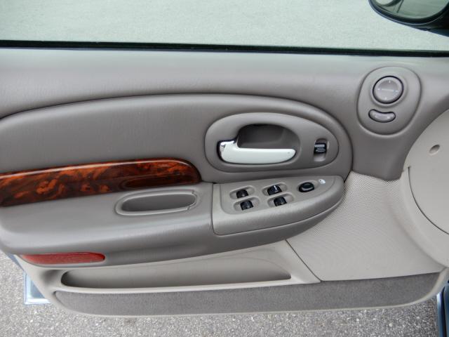 2004 Chrysler MDX photo
