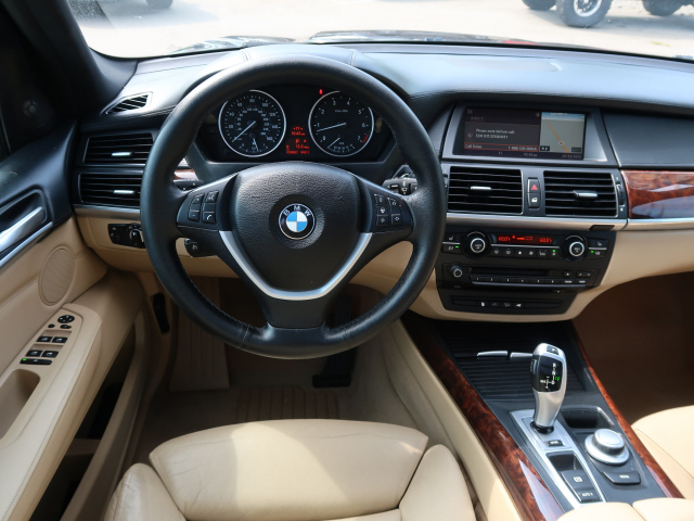 The 2009 BMW X5 xDrive48i