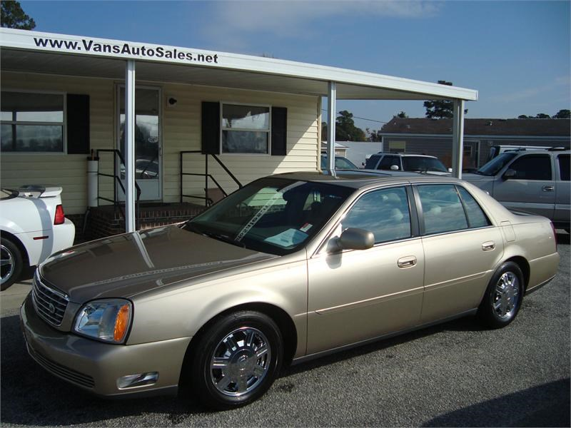 The 2005 Cadillac DeVille photos